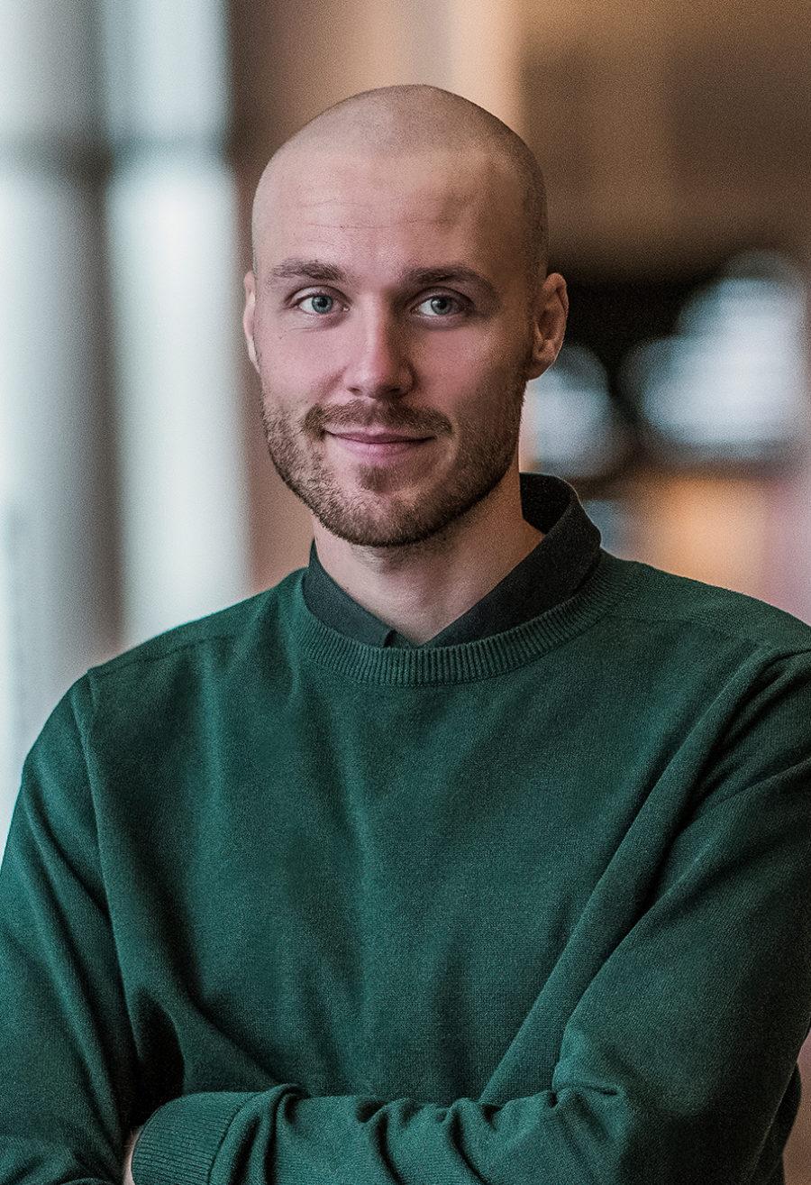Viktor Lindvall Communication & Attraction Specialist